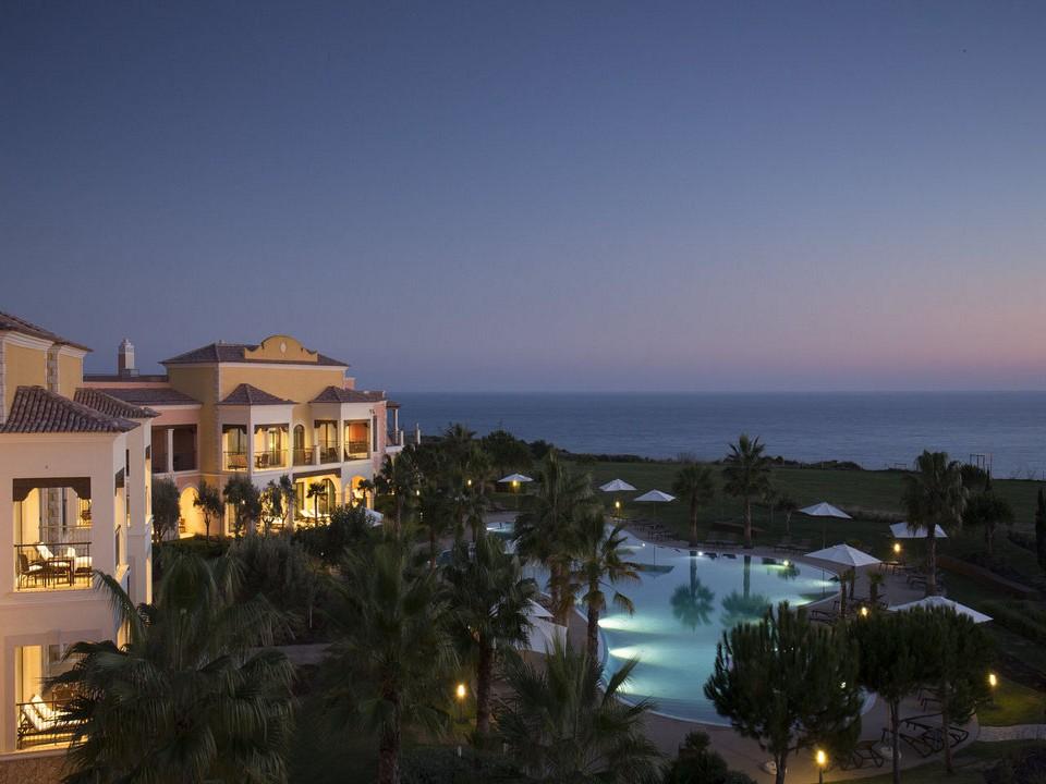 Cascade Resort Piscina Principal Sunset